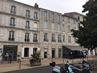 LOCAL COMMERCIAL 146 M² LA ROCHELLE