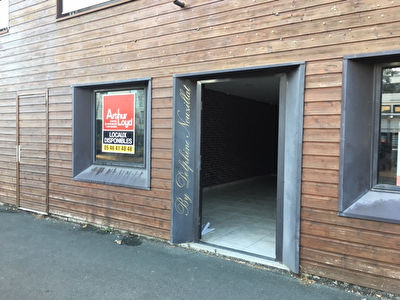 LOCAL COMMERCIAL SANS DROIT D'ENTREE - 80 m2